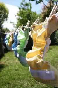 Lavar fraldas reutilizáveis à mão