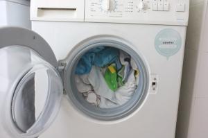 A maquina cheia de fraldas sujas :-)
