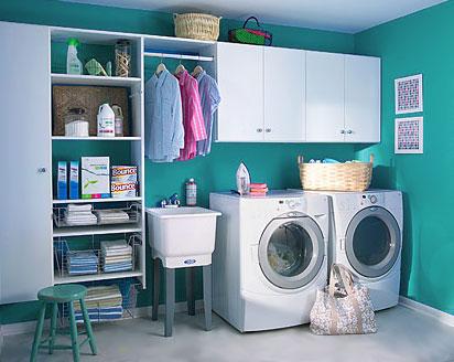 estivemos à procura de uma lavandaria que fosse perfeita para fraldas :-) olhem esta até tem um tanque pequeno para se colocar as fraldas de molho em anti amónia  :-)